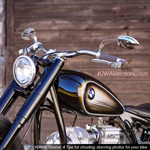 KiWAV tutorial: motorcycle in front of a wooden door